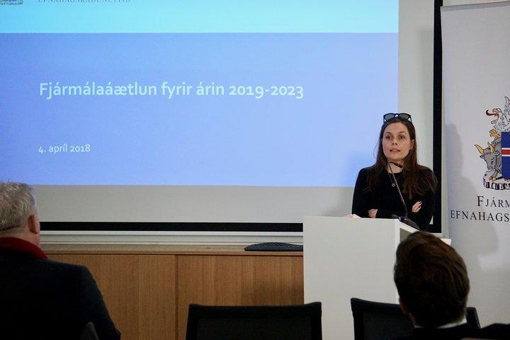 Katrín Jakobsdóttir kynnir fjármálaáætlun 2019-2023