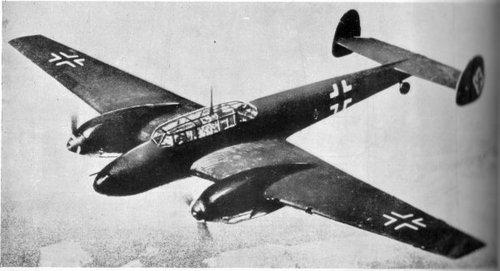 Hess flaug Messerschmitt Bf 110 frá Agusburg til Skotlands til að hitta Hamilton hertoga.
