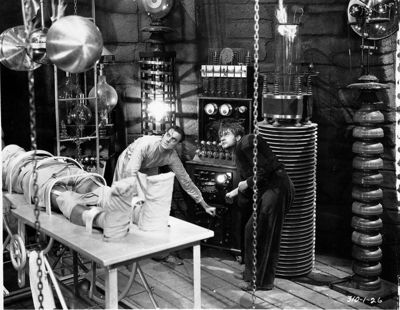 Colin Clive and Dwight Frye í hlutverkum sínum í kvikmyndinni Frankenstein frá árinu 1931.