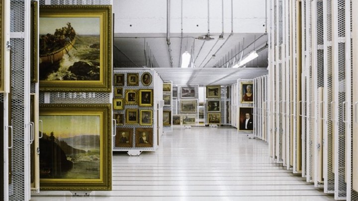 Museum_Art_Racks_Museums_Mobile_Storage_08.jpg
