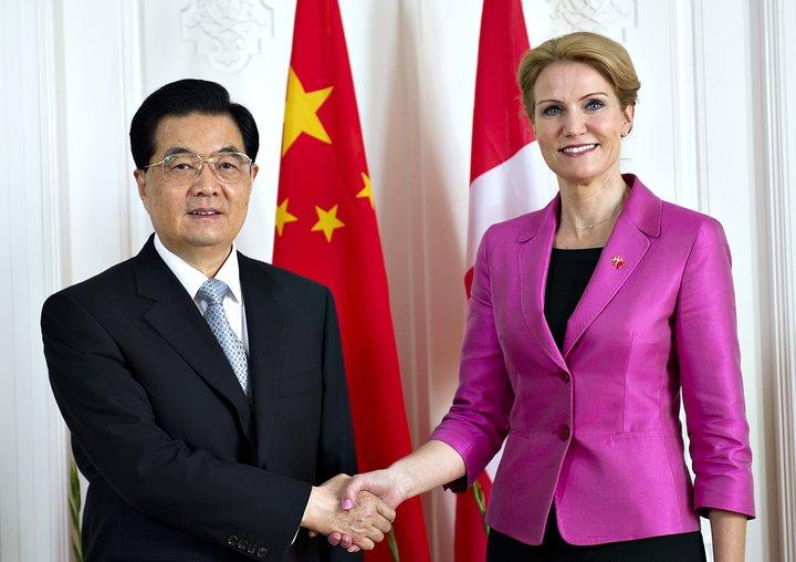 Helle Thorning-Schmidt og Hu Jintao funduðu í júní 2012. Heimsókn Kínaforseta átti eftir að draga dilk á eftir sér.