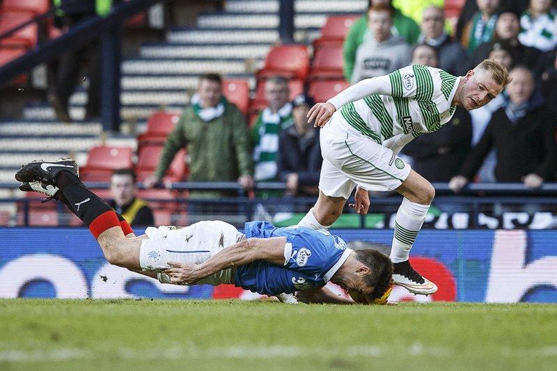 Átök í leik Rangers og Celtic.