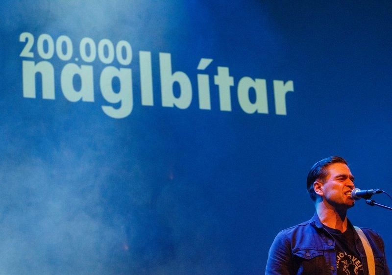 200.000 naglbítar léku fyrir gesti Gamla bíós á föstudag.