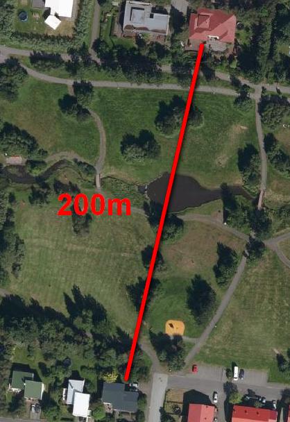 Milli Birkigrundar 71 og Árlands 5 eru 200m í beinni loftlínu.